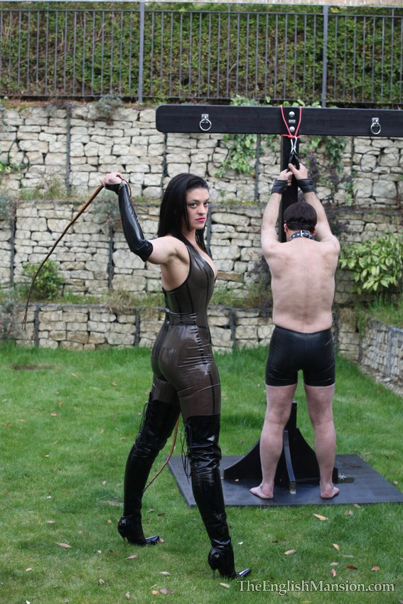 The English Mansion - Home of Mistress Sidonias