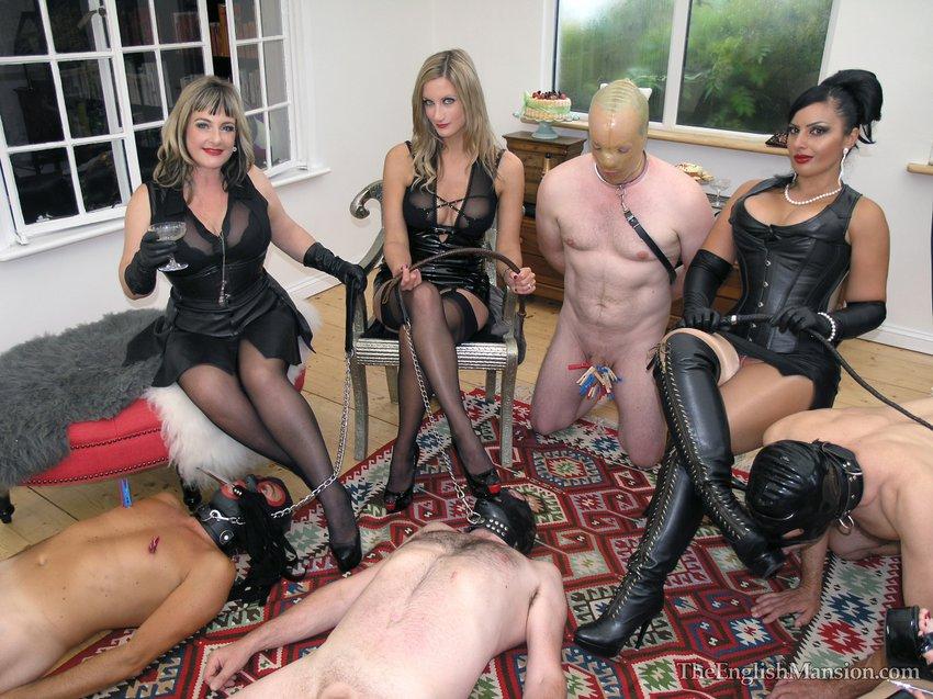 Фото госпожа и рабы
